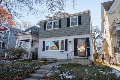 Milwaukee Single Family Home Active Contingent With Offer: 3023 S Superior St