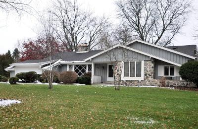 Elm Grove Single Family Home Active Contingent With Offer: 12755 Stephen Pl