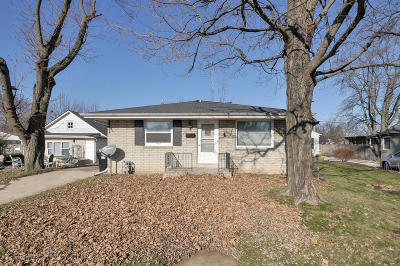 Racine Single Family Home Active Contingent With Offer: 3310 Pierce Blvd