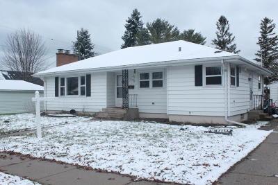 Kenosha Single Family Home For Sale: 1717 36th St