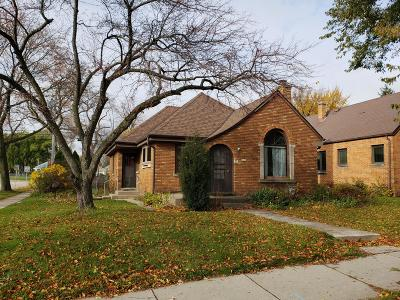 Milwaukee Single Family Home Active Contingent With Offer: 3031 S Howell Ave