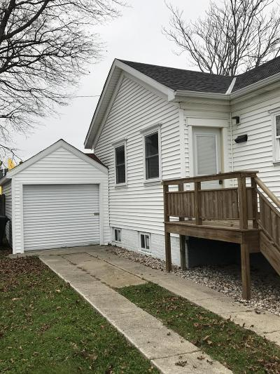 Racine Single Family Home For Sale: 1316 Lincoln St