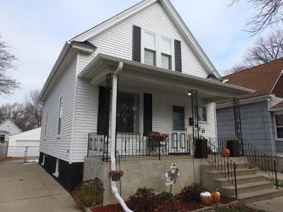 Kenosha Single Family Home For Sale: 910 70th St