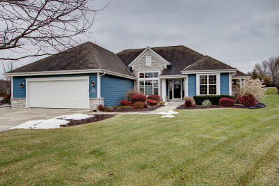 Muskego WI Single Family Home For Sale: $360,000