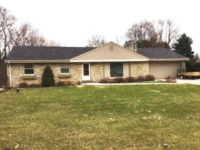 New Berlin WI Single Family Home For Sale: $249,900