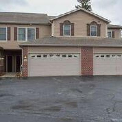Muskego WI Condo/Townhouse For Sale: $269,900
