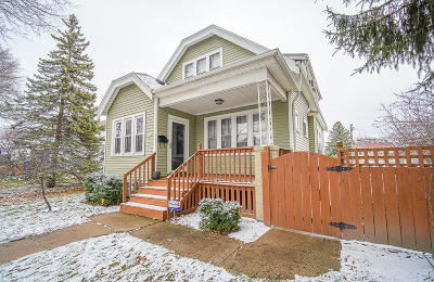 Milwaukee Single Family Home Active Contingent With Offer: 3018 S 38th St