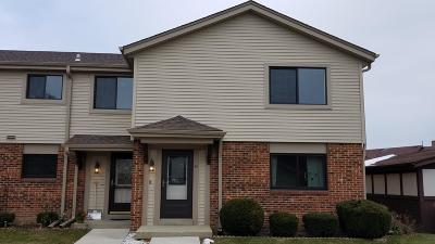 Racine County Condo/Townhouse Active Contingent With Offer: 1521 Windsor Way #8-U