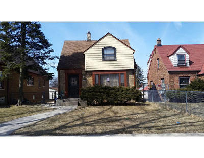 Milwaukee WI Single Family Home For Sale: $40,000