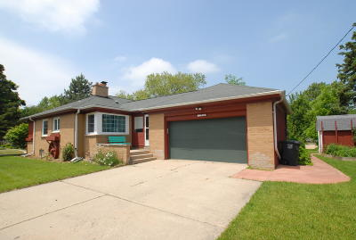Wauwatosa Single Family Home For Sale: 4104 N 99th St