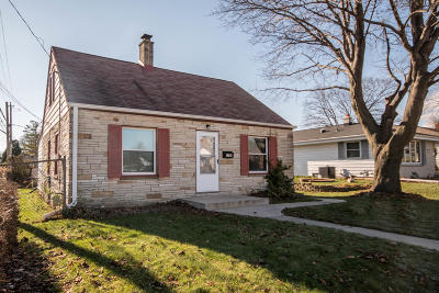 South Milwaukee Single Family Home Active Contingent With Offer: 1709 Minnesota Ave