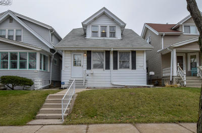 West Allis WI Two Family Home Active Contingent With Offer: $149,900