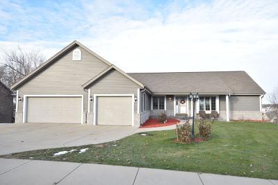 Hartford Single Family Home For Sale: 932 W Monroe Ave