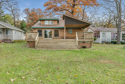 Bristol Single Family Home Active Contingent With Offer: 10216 187th Ct