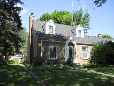 Milwaukee Single Family Home Active Contingent With Offer: 5714 W Roosevelt Dr