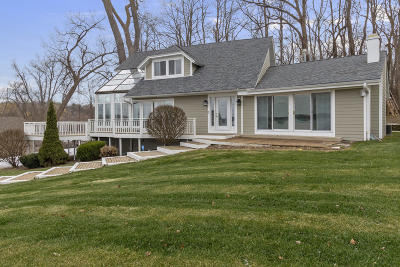 East Troy Single Family Home For Sale: N9194 East Shore Rd