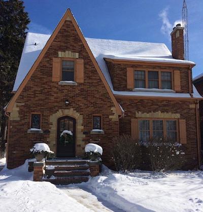 Kenosha County Single Family Home For Sale: 7211 5th Ave