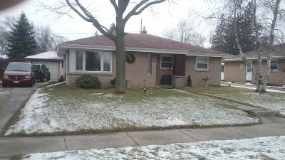South Milwaukee Single Family Home For Sale: 1605 Manistique Ave
