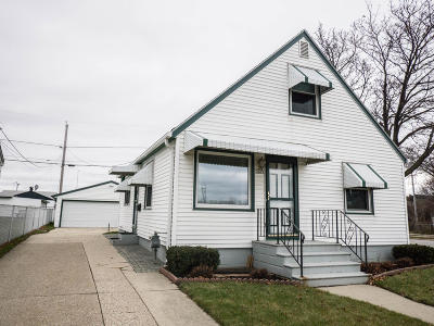 Milwaukee Single Family Home For Sale: 3407 S 3rd St