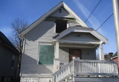 Milwaukee Single Family Home For Sale: 2615 N 19th St