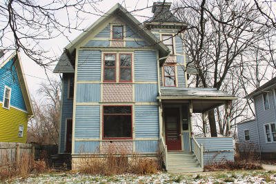 Waukesha County Single Family Home Active Contingent With Offer: 127 Randall St