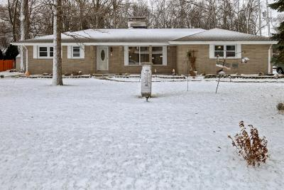 Racine County Single Family Home For Sale: 1709 September Dr