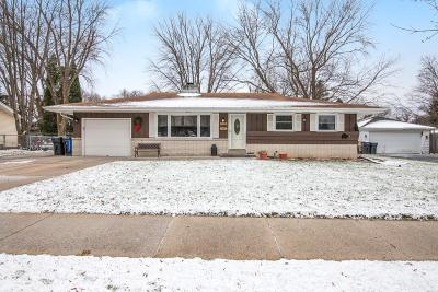 Waukesha Single Family Home Active Contingent With Offer: 1814 Butler Dr