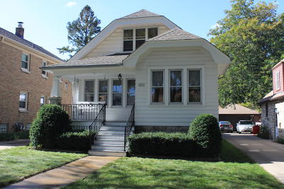 Milwaukee Single Family Home Active Contingent With Offer: 2955 S 45th St