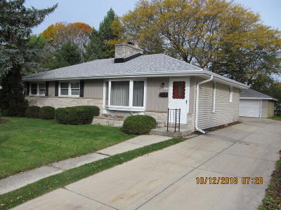 Greendale Single Family Home Active Contingent With Offer: 5215 Millshire Rd