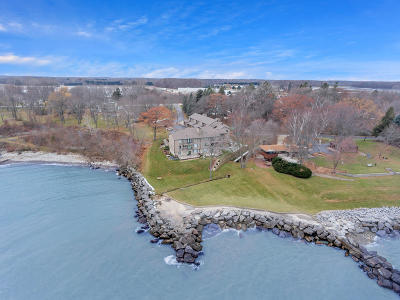 Racine Condo/Townhouse Active Contingent With Offer: 141 S Lakeshore Dr #E-5