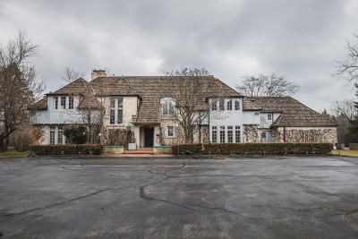 River Hills WI Single Family Home For Sale: $849,900