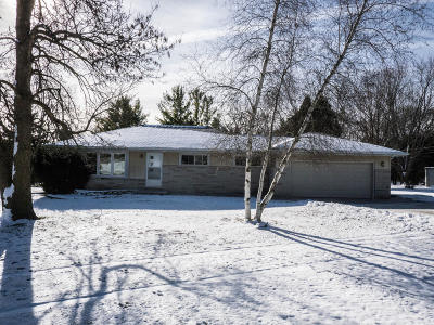 New Berlin Single Family Home For Sale: 18045 W Crab Tree Ln