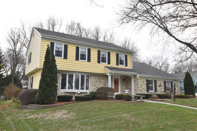 Ozaukee County Single Family Home Active Contingent With Offer: N72w7491 Beech St