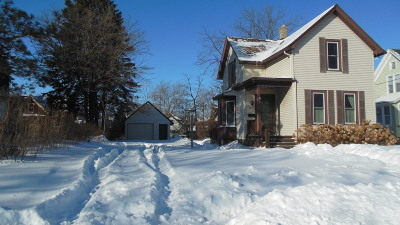 Sheboygan Single Family Home Active Contingent With Offer: 1614 N 6th St