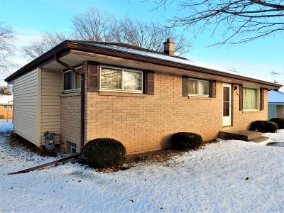 South Milwaukee Single Family Home Active Contingent With Offer: 3709 9th Ave