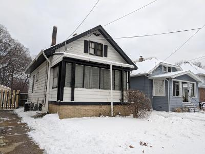 Racine Single Family Home For Sale: 405 Blaine Ave