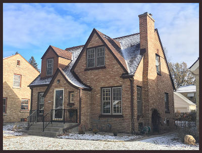 Wauwatosa Single Family Home For Sale: 2762 N 74th St