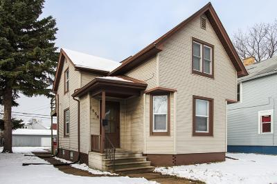 Racine Single Family Home For Sale: 1558 Packard Ave