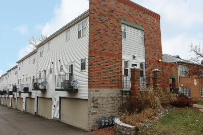Wauwatosa Condo/Townhouse For Sale: 7850 Harwood Ave #9