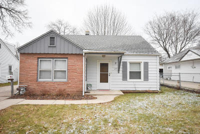 West Allis Single Family Home For Sale: 926 S 104th St