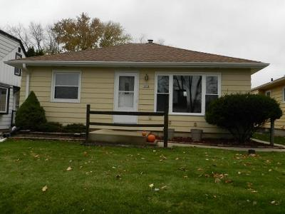 West Allis Single Family Home For Sale: 3018 S 95th St