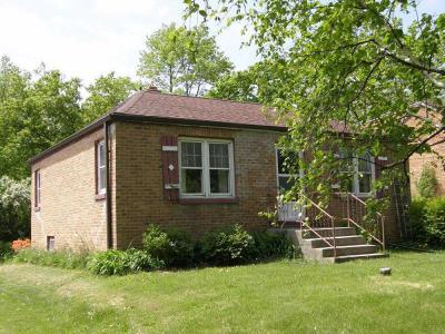 Oak Creek Single Family Home For Sale: 3355 E Ryan Rd
