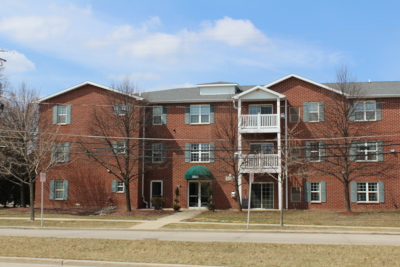 Milwaukee Condo/Townhouse Active Contingent With Offer: 3243 S 92nd St #109