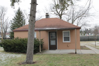 West Allis Single Family Home Active Contingent With Offer: 3198 S 105th St