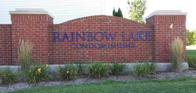 West Bend Condo/Townhouse For Sale: 2030 Rainbow Lake Ln #311