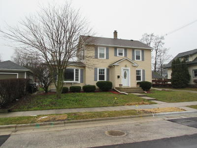 Sheboygan Falls Single Family Home Active Contingent With Offer: 113 Dicke Ave