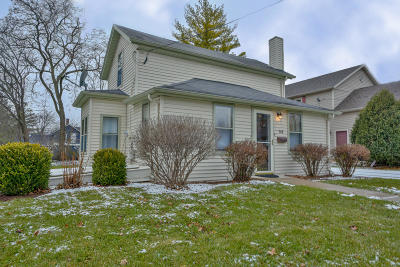 Single Family Home For Sale: 145 Sussex St