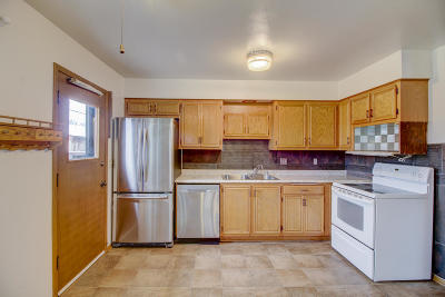 Waukesha County Condo/Townhouse For Sale: 16055 W Heritage Ln