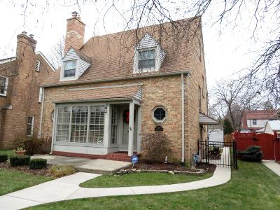 Milwaukee County Single Family Home For Sale: 4463 N Ardmore Ave