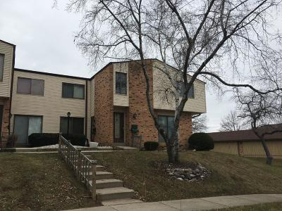 Milwaukee Condo/Townhouse For Sale: 8723 N 72nd St